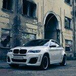 BMW X6 в каменных джунглях
